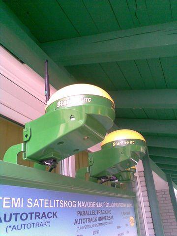 gps upravljanje navodjenje traktora poljoprivredni sajam www.automatika.rs